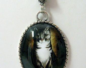 Majestic cat portrait pendant with chain - CAP09-012