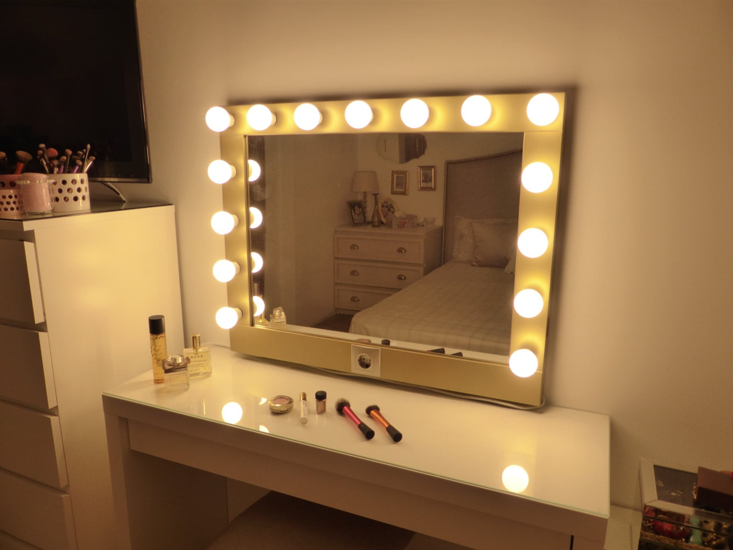 Vanity Light Makeup Mirror : Hollywood lighted vanity mirror-large makeup mirror with