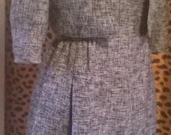 1950's handmade dress suit in boucle size 10/12