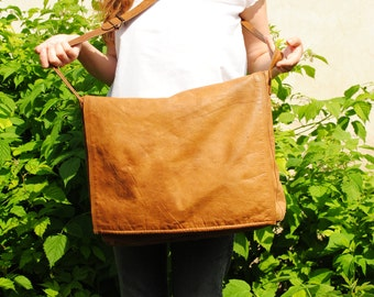 Leather weekender bag, vintage weekender bag,leather oversized bag, brown oversized bag, brown leather bag, large tote bag