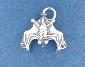 VAMPIRE BAT Charm .925 Sterling Silver Halloween Pendant - d9379