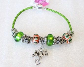1220 - NEW - MOM Bracelet