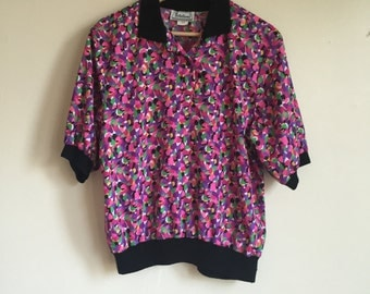80's Colorful Abstract Blouse. 1980's Pink and Purple Short Sleeved Collared Shirt. Medium.