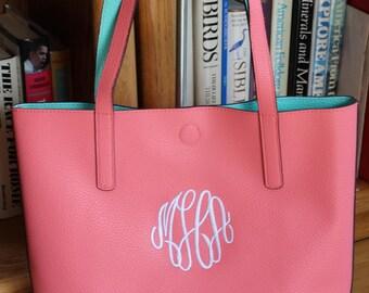 Monogrammed Bucket Style TOTE/ Handbag/ Teacher Gift/  Bridesmaid Gift/ NEW ITEM