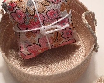 1 1/4 Inch Shabby Chic Handmade Miniature Dollhouse Throw Pillow Set - Pink and Biege Flower on Creme Background