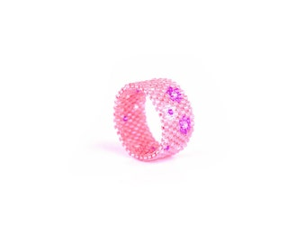Eco friendly Peyote band ring, Seed bead ring, non-allergic band ring, Pink Daisy Flower band ring, Handwoven ring Beaded Ring
