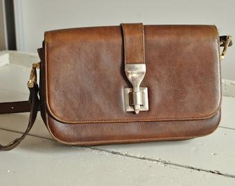 Vintage SCEPI Made in Italy Leather Saddle Bag / Brown / Shoulder Leather Bag