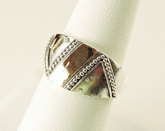 Size 8 18k Gold And Sterling Silver Textured Wide Band Ring