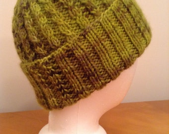 Green Cable Knit Women's Hat