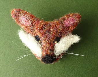 Animal brooch - felt fox brooch - animal gifts - needle felt - gift for friend - jewellery - handmade jewelry - woodland fox - trending now