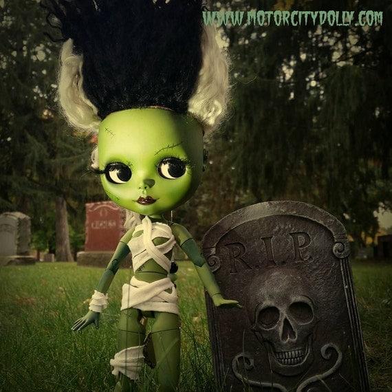 """Bride of Frankenstein Custom OOAK Blythe Doll by Sandra Coe (Custom #30) Art Doll 12"""" Figure, with Teeswater Reroot"""