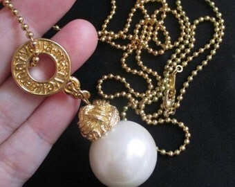 """Vintage Marvella Circle Logo Faux Pearl Necklace 80's Pendant Long 35"""" ball chain  Retro Jewelry  gold tone International seller"""