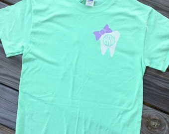 Monogrammed Bow Dental Short Sleeve Shirt. Monogrammed Shirt. Dental Hygienist. Dental Assistant. Monogrammed Shirt.