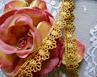 Narrow Gold Metallic Lace Venise Galloon Trim Roses Flowers for Gowns Costumes Cake Decoration Crafts Weddings VL04G