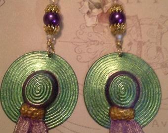 Ladies Hat Earrings  E 258