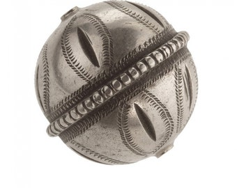 Vintage large etched and incised silver bead 36mm. Berber, Morocco. b18-539cs(e)