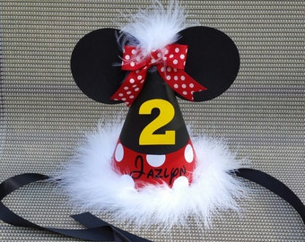 Minnie Mouse birthday party hat with name; red with white marabou