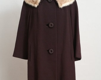 SALE Vintage Swing Coat w/ Fur Collar - 1950's/60's Brown Winter Coat w/ Blonde Fur - Size Large