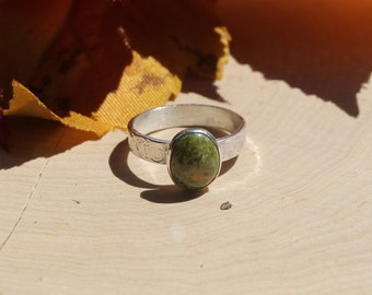 Hammered Band with Oval Unakite Ring