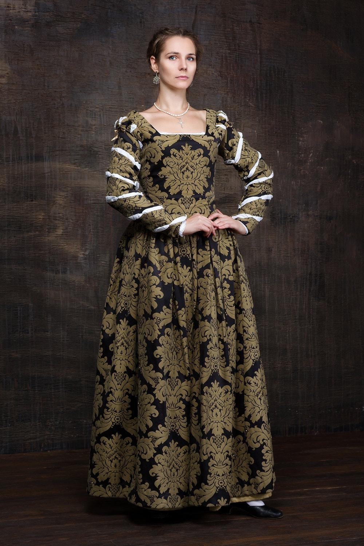 renaissance woman dress 16th century europe