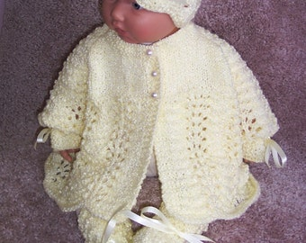 Yellow baby sweater girl or Reborn Dolls pretty Soft Yellow Shimmer Scalloped edge Sweater hat booties Layette 0-12M Ready To Ship