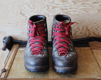 Vintage VASQUE Danner Lace VIBRAM Sole Backpack Mountaineer Leather HIKING Boots | Men's 10.5 Women's 12
