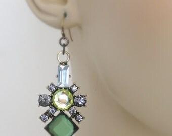 Vintage Earrings - Rhinestone Earrings  - Peridot green Emerald Green - Antique Gold Earrings - Upcycle Earrings Crystal Earrings - handmade