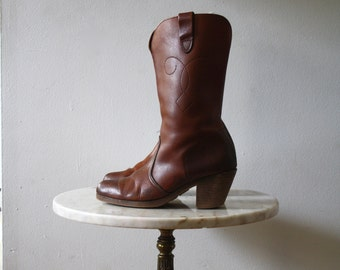 Chocolate Brown Boots - 5.5 6 Women's - Cowboy Leather - 1970s Vintage