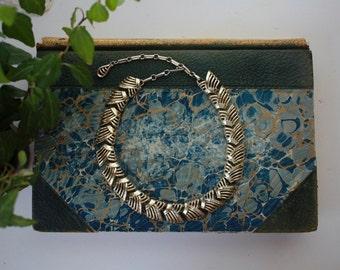 Vintage 1980s // Gold Tone Arrow Link Collar Necklace