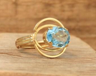 Vintage Blue Topaz 18K Yellow Gold Ring, 1950's, Custom Made