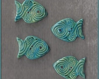Turquoise with green pale ceramic fishes - 4 pieces - buttons - or mosaic tiles with Celtic pattern - 2.5 cm x 2 cm
