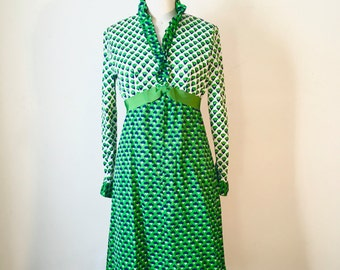 Vintage Mod Green Floral Pattern Dress