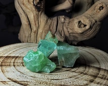 Raw Green Calcite Crystals (Grade A Natural) Rough Crystal Stones Gemstone for Healing, Yoga Meditation, Reiki, Wicca, Crafts Jewelry Supply