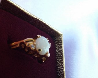 Vintage Gold Tone Opal and Rhinestone Ring size 9
