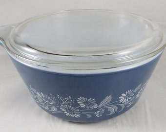 Pyrex Colonial Mist 475 Casserole w/ Lid -  2.5 Liter Tab Handle Covered Baking Dish