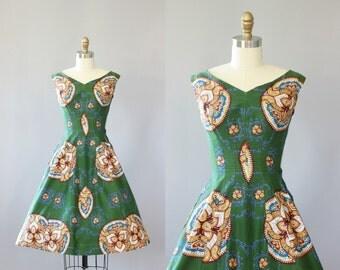 Vintage 50s Dress/ 1950s Cotton Dress/ Green Cotton Medallion Print Dress w/ Full Skirt XS/XXS