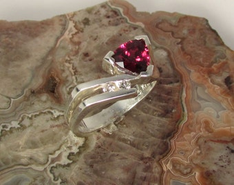 Raspberry Rhodalite Garnet ring, with .05ct.tw.SI2 Diamonds, Natural 7mm trilliant, size 7.5, euro shank, designed/made by Kris