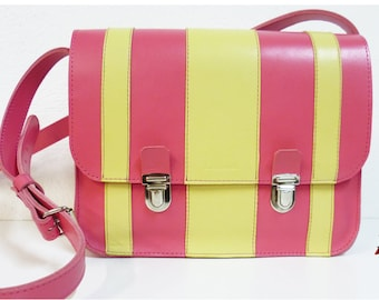 Satchel in pink and pale yellow leather.