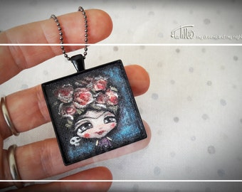 COLLANA cammeo con piccolo dipinto su stoffa ispirato a Frida Kahlo, Necklace with cameo and small painting on fabric of Frida Kahlo