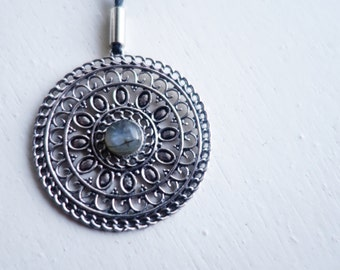 Bohemian rose, labradorite stone necklace
