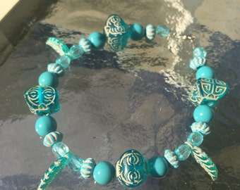 Beaded Blue Clasp Bracelet