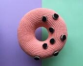 O-nut donut crochet cushion