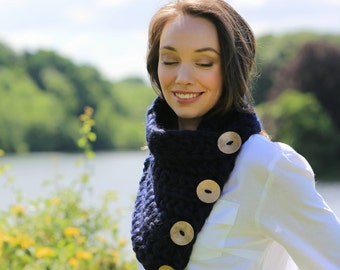 DIY Crochet Kit Scarf. Knit kit. Super Chunky pattern. Learn to crochet. Giant extreme scarves, cowl bulky snood. Boston Harbor. K007
