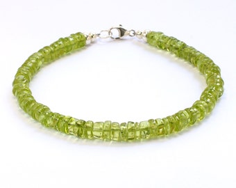 Peridot bracelet;Gemstone bracelet;Beaded bracelet;Peridot;Green bracelet;Birthstone;August birthstone;Stacking bracelet;Sterling silver;BFF