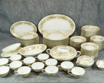Noritake Bliss Pattern Set of Dishes xxx Pieces c. 1950s