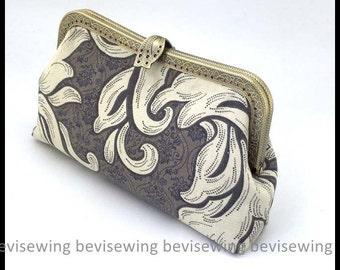 Handmade Sewing lady handbag/Floral Pattern Bag/20cm metal frame hand bag/Chain Included/Size:15*23*6CM