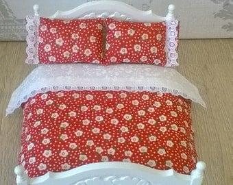 Miniature 1/12th scale dolls house Bedding set. Double bed. Handmade.Throw and pillow set.