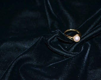 Vintage Pearl and Gold Ring