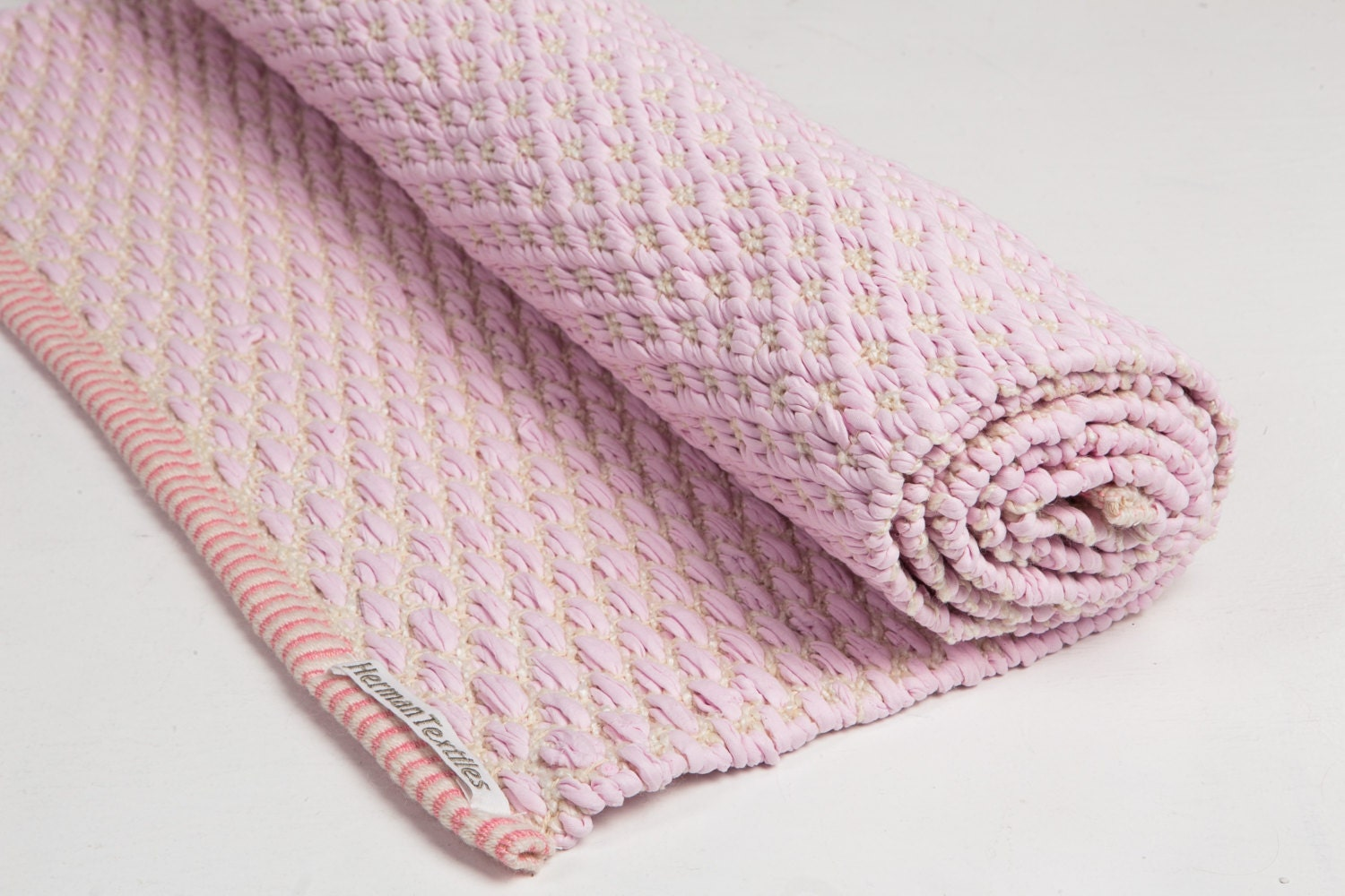 baby pink and white rug cotton rug baby and kids rug. Black Bedroom Furniture Sets. Home Design Ideas