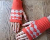 Petite Hildur Wrist Warmers in Apple Snap